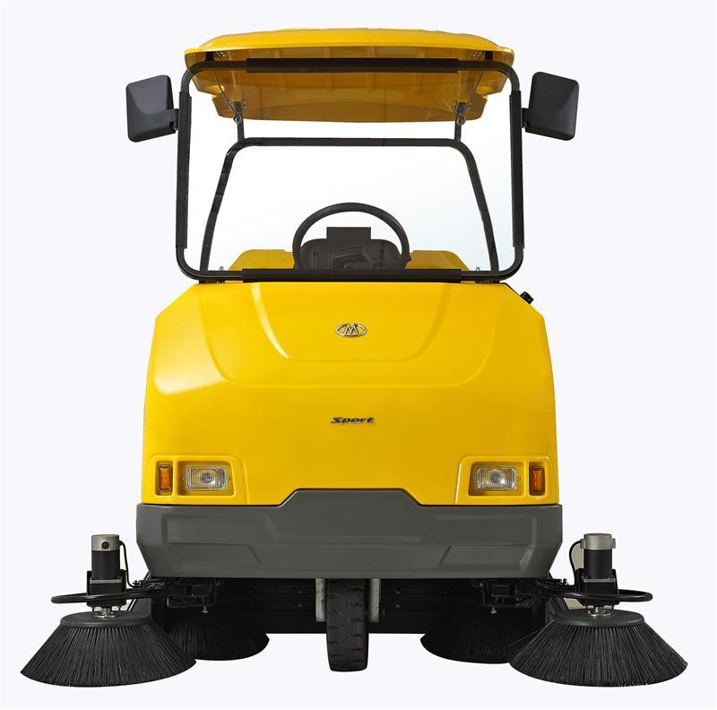 客户:要求实地考察格美生产环保电动扫地车场地